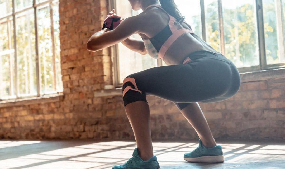 Le donne e l'allenamento per tonificare